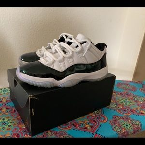Air Jordan 11 emeralds